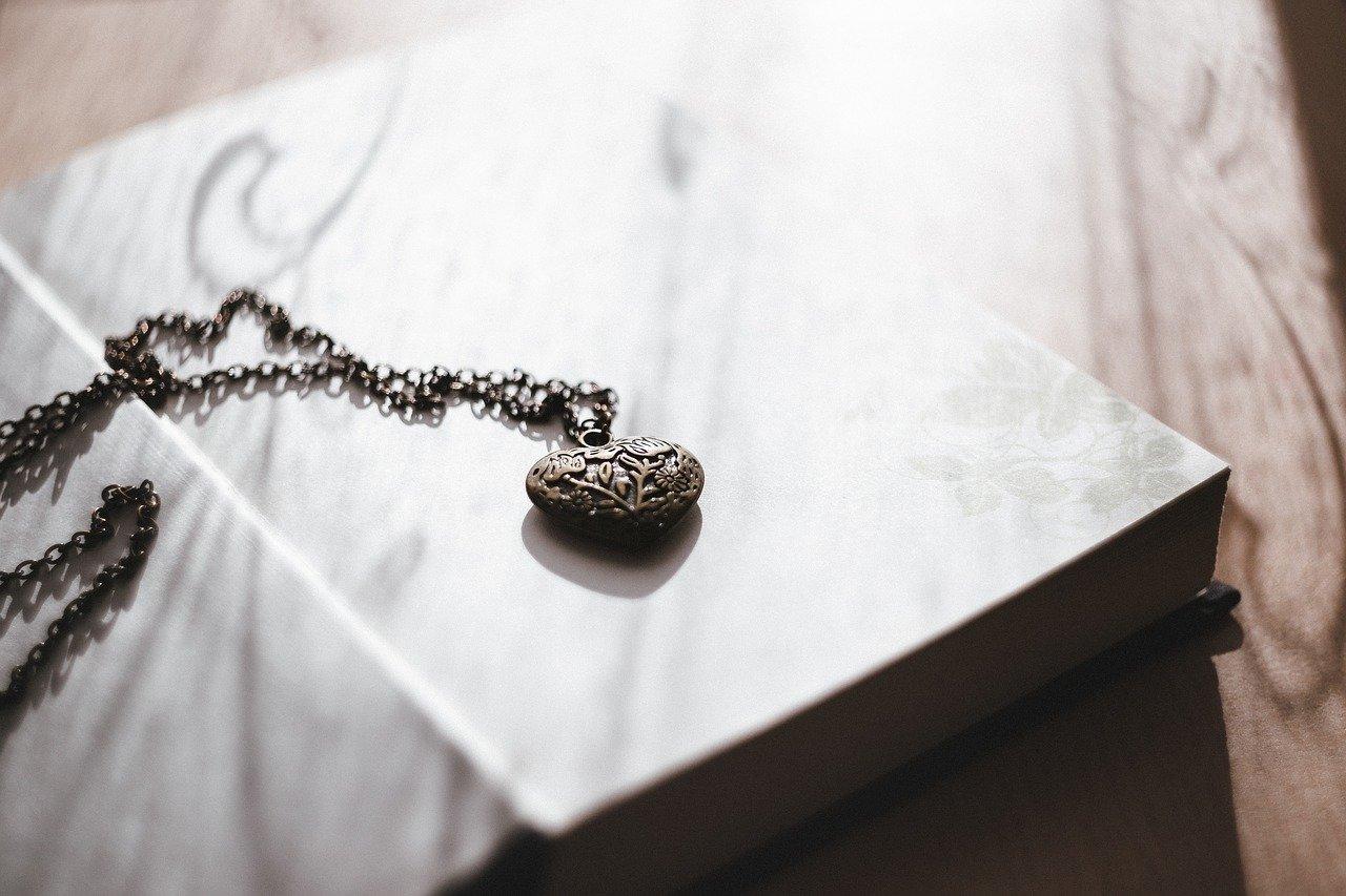 bijoux pendule divinatoire